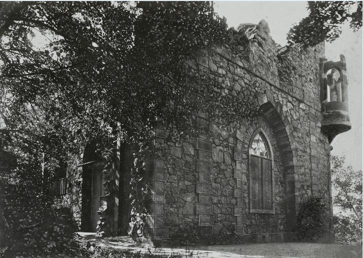 Fig. 1 Johann Daniel Schade's artificial ruin on the Schlossberg at Pillnitz